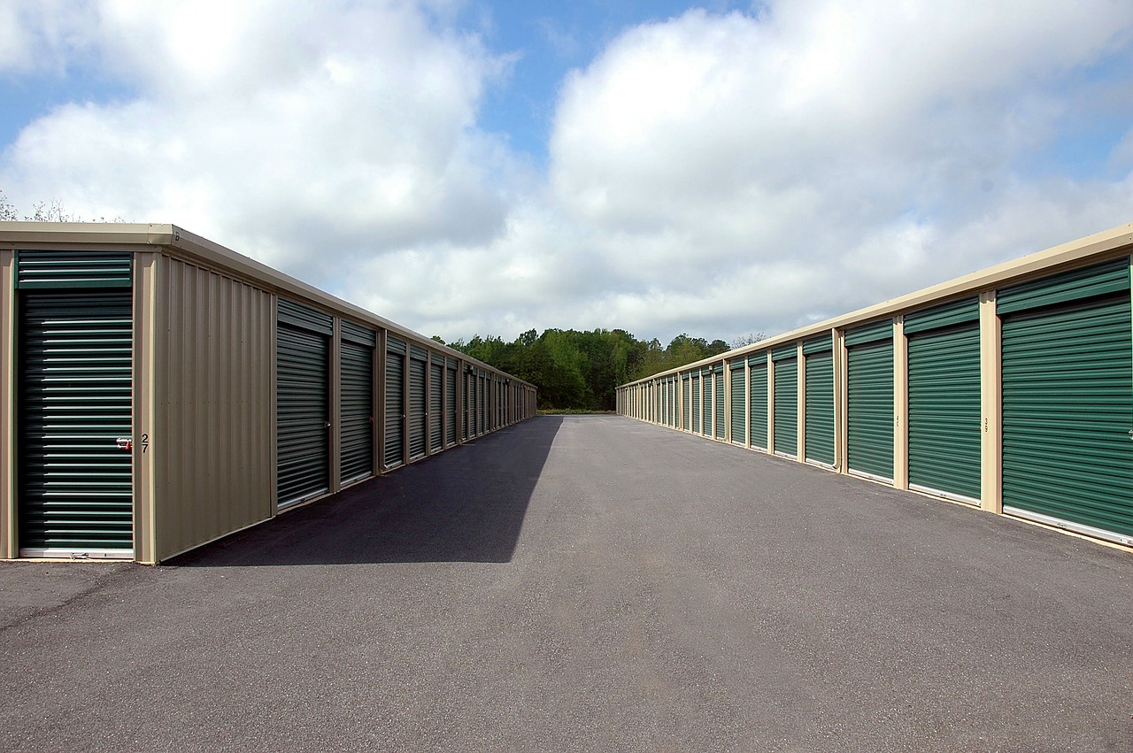 4 Tips to Review Before Renting a Storage Unit